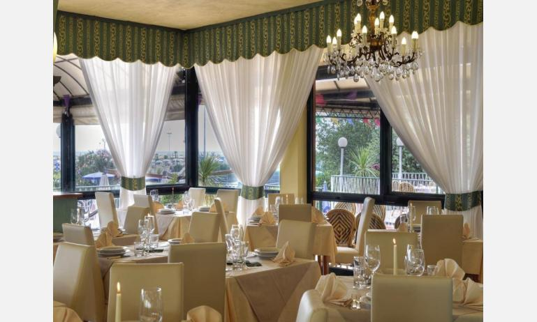 hotel ROYAL: ristorante