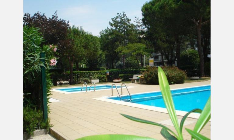 appartamenti AURORA: piscina