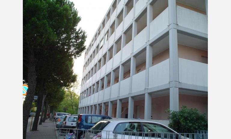 appartamenti DUCA DEGLI ABRUZZI: parcheggio