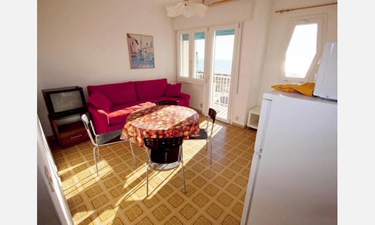 appartamenti CASA AUSILIA: soggiorno (esempio)
