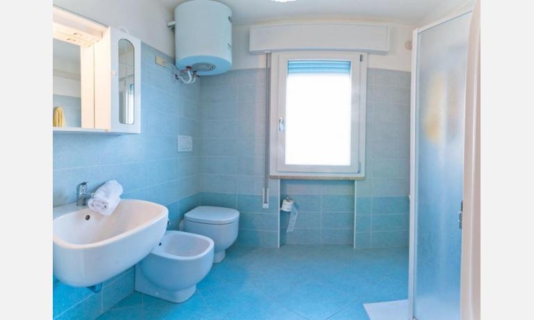 appartamenti CASA AUSILIA: bagno (esempio)