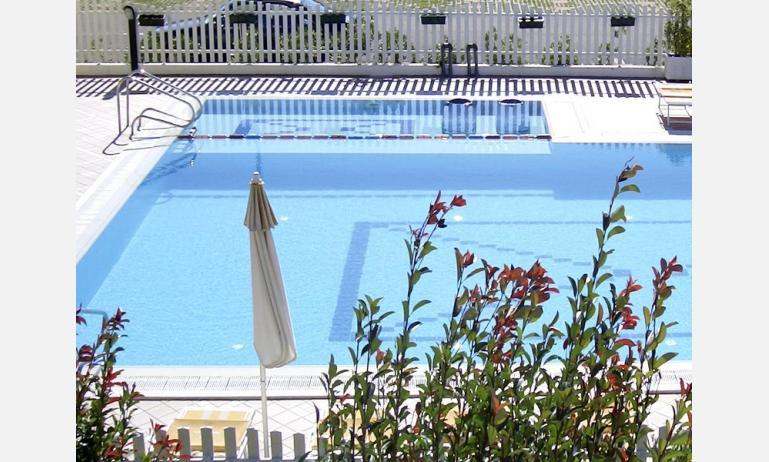 residence MARGHERITA: piscina