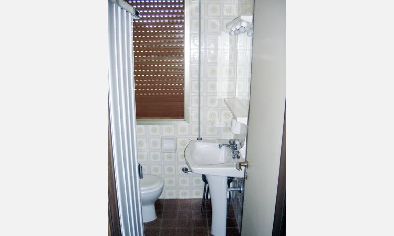 appartamenti ZENITH: bagno non rinnovato (esempio)