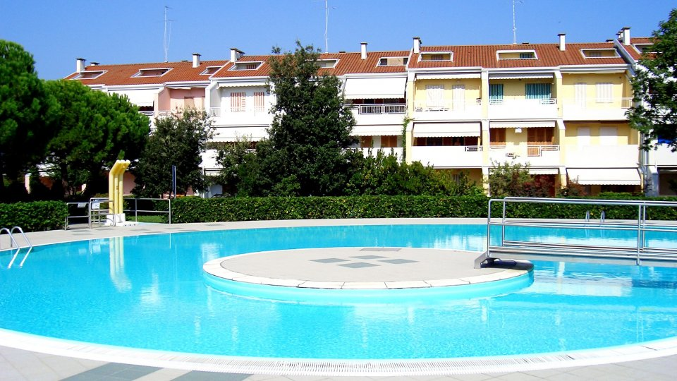 Caorle residence riviera - Residence con piscina caorle ...