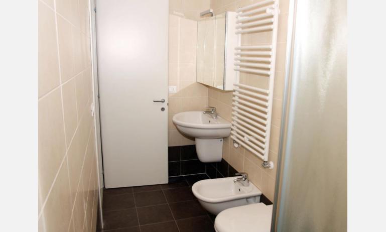 residence MARICEL: bagno (esempio)