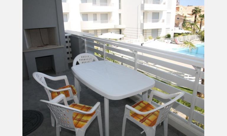 residence MARICEL: balcone (esempio)
