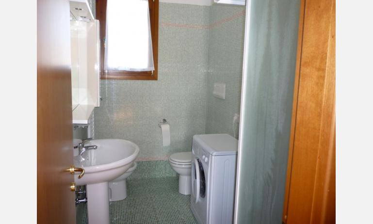 residence TULIPANI: bagno (esempio)