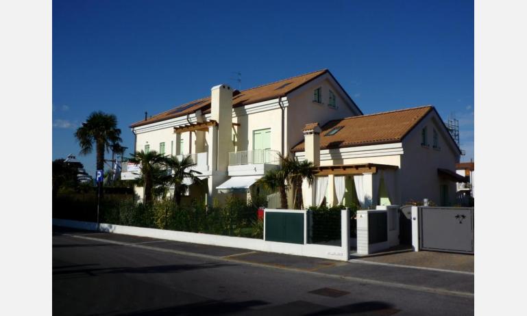 residence LE PALME: esterno