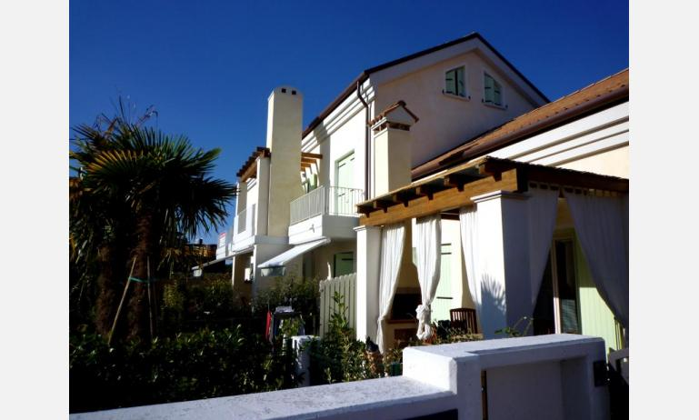 residence LE PALME: esterno condominio