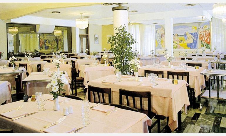 hotel AIRONE: sala da ristorante