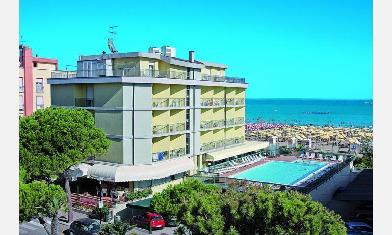 hotel TOURING: esterno hotel