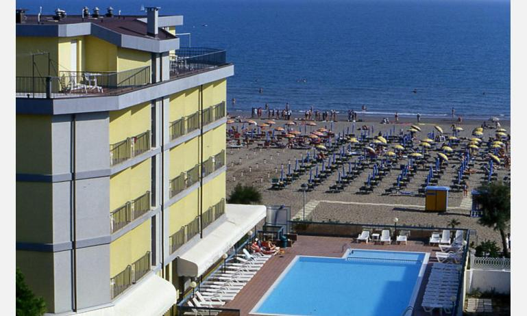 hotel TOURING: vista mare (esempio)