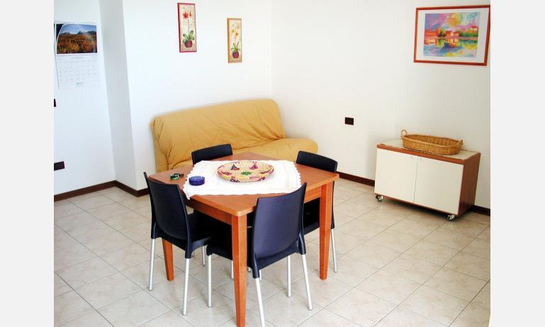 residence AI SALICI: soggiorno (esempio)