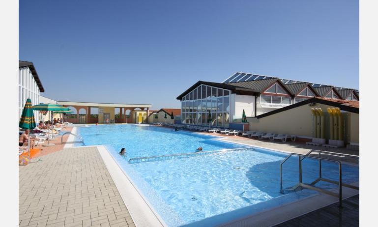 residence LA QUERCIA: piscina sovraelevata