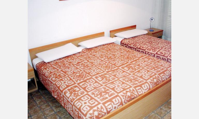 appartamenti HOLIDAY: camera (esempio)