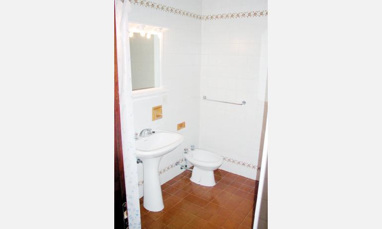 appartamenti HOLIDAY: bagno (esempio)