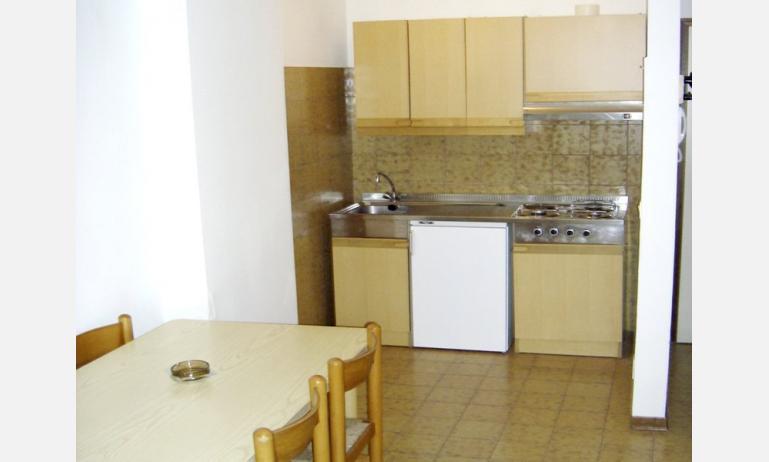 appartamenti LA ZATTERA: angolo cottura (esempio)