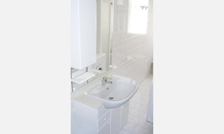 appartamenti LAURA: bagno (esempio)