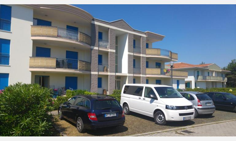 residence LIDO DEL SOLE: parking place (example)