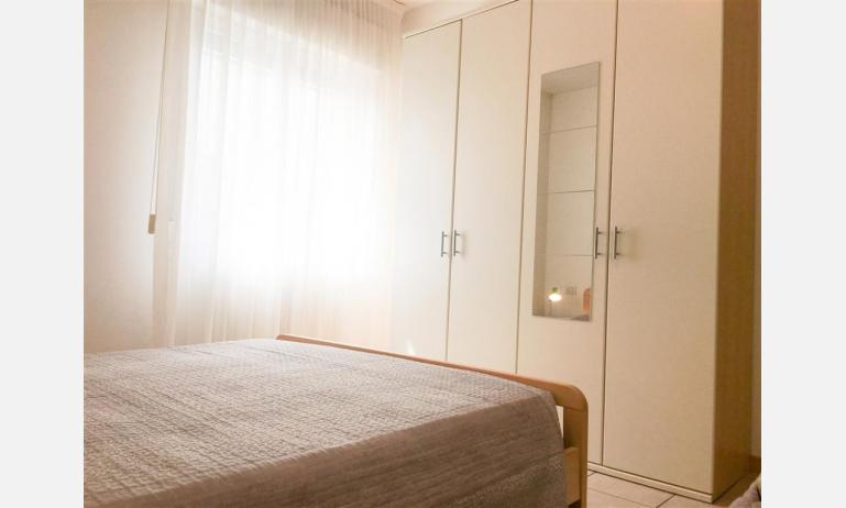 appartamenti RESIDENCE PLAYA: B5 - armadio (esempio)