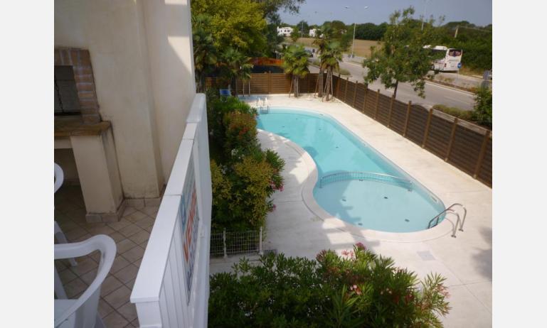 residence LE PALME: C6/PTX - terrazzo vista piscina (esempio)
