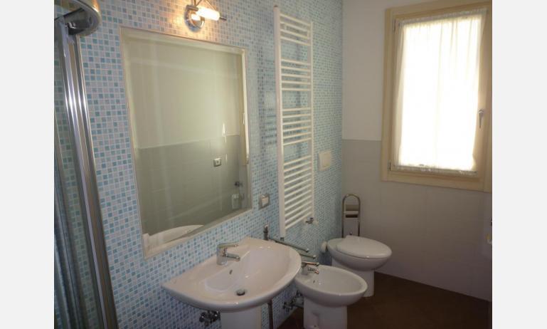 residence LE PALME: C6/PTX - bagno (esempio)