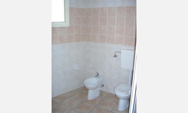 residence GIRASOLI: C7 - bagno (esempio)