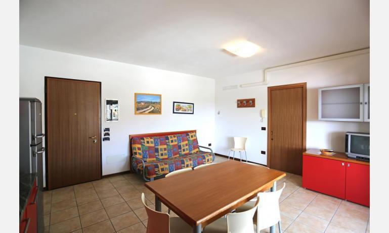 residence LA QUERCIA: C7 - soggiorno (esempio)