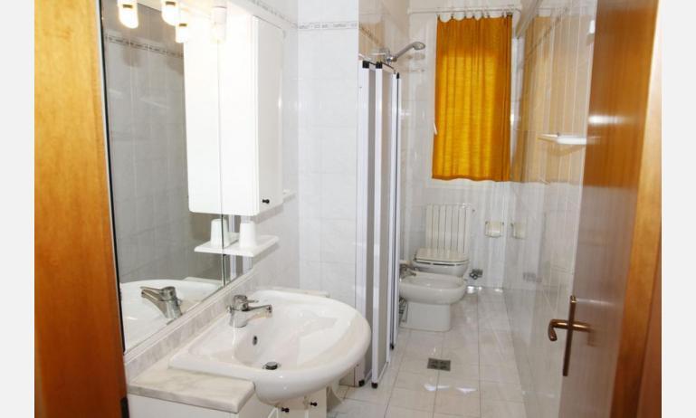 appartamenti LAURA: B4 - bagno (esempio)