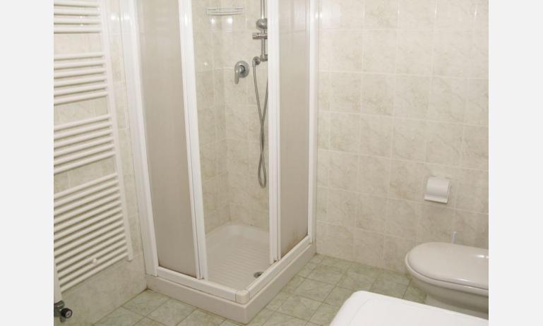 appartamenti LAURA: B4 - box doccia
