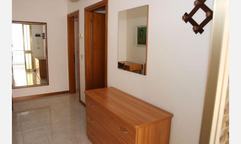 appartamenti LAURA: B4 - corridoio (esempio)