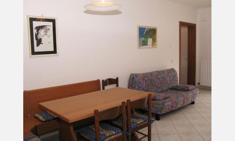 appartamenti LAURA: B4 - divano letto singolo (esempio)