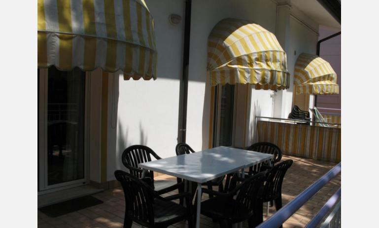appartamenti LAURA: C6 - balcone (esempio)