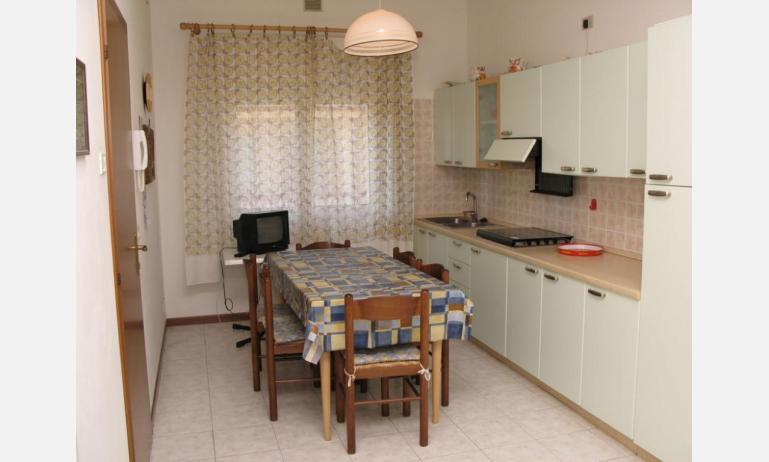 appartamenti LAURA: C6 - angolo cottura (esempio)
