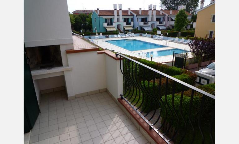 residence LE BRICCOLE: C5 - terrazzo vista piscina (esempio)