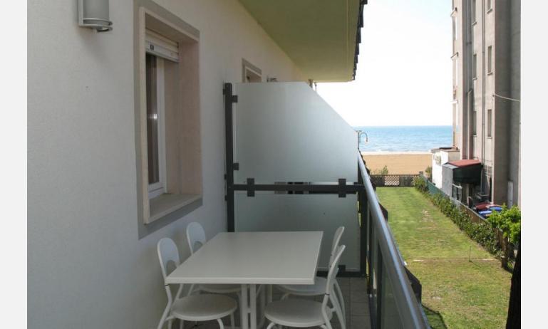 residence MEERBLICK: C5 - terrazzo al primo piano (esempio)