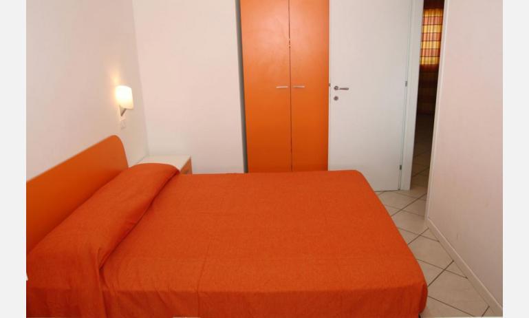 residence MEERBLICK: C5 - camera matrimoniale (esempio)