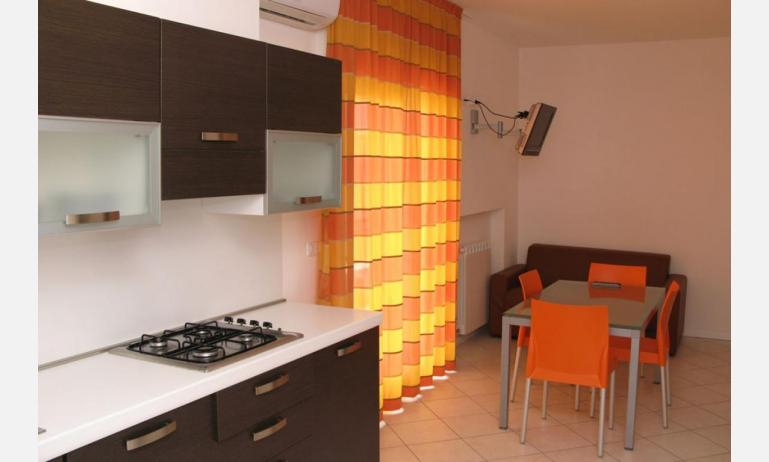 residence MEERBLICK: C5 F - angolo cottura (esempio)