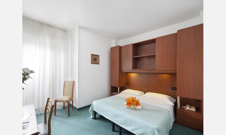 hotel LONDON: Standard - camera matrimoniale (esempio)
