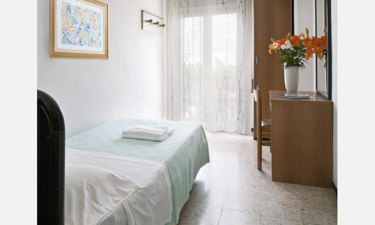 hotel TRITONE: Basic - camera singola (esempio)