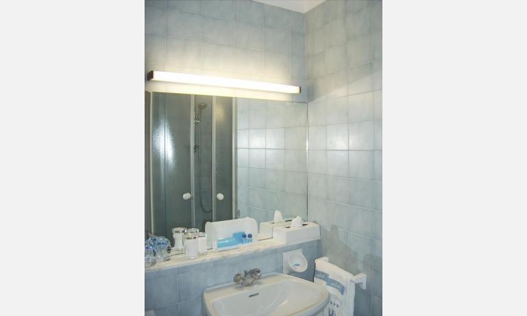 Hotel CORALLO: Classic - Badezimmer (Beispiel)