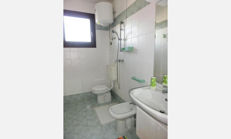 residence LIA: D7 - bathroom (example)