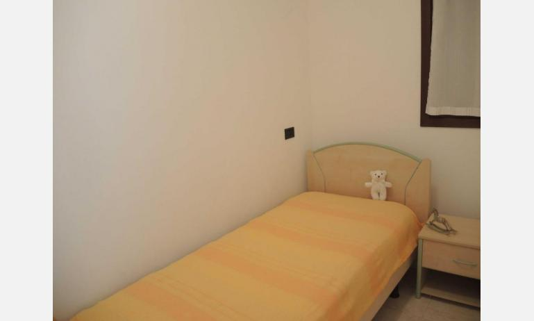 residence LIA: D7 - single bedroom (example)