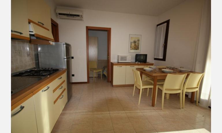 residence LIA: D7 - kitchen (example)