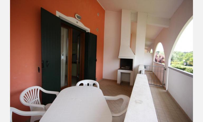 residence LEOPARDI: B5 - erkély (példa)