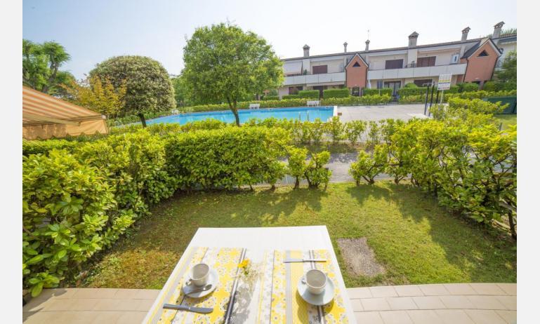 residence NUOVO SILE: C6 - terrazzo vista piscina (esempio)