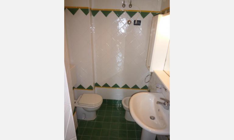 residence SEMIRAMIS: B4 - bagno (esempio)