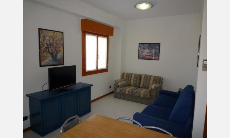 residence SEMIRAMIS: B4 - divano letto singolo (esempio)