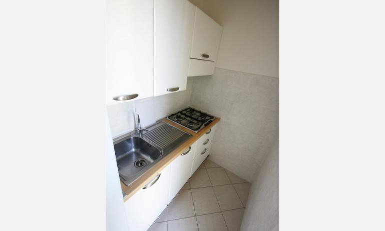 residence RUBINO: B4 - angolo cottura (esempio)