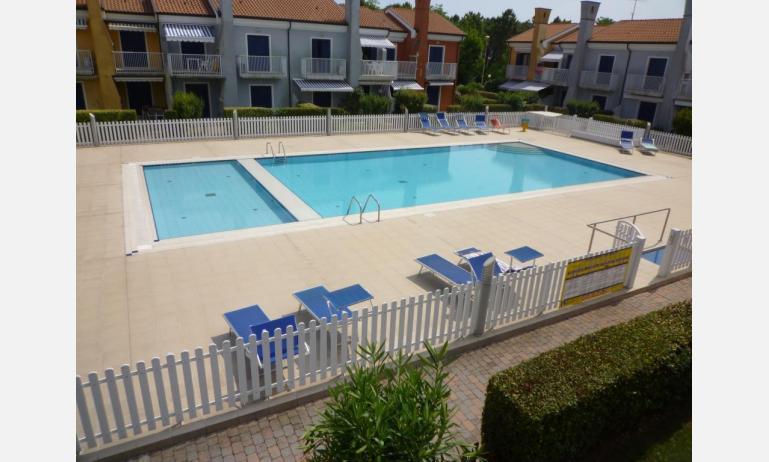 residence SAN MARCO: C4 - terrazzo vista piscina (esempio)